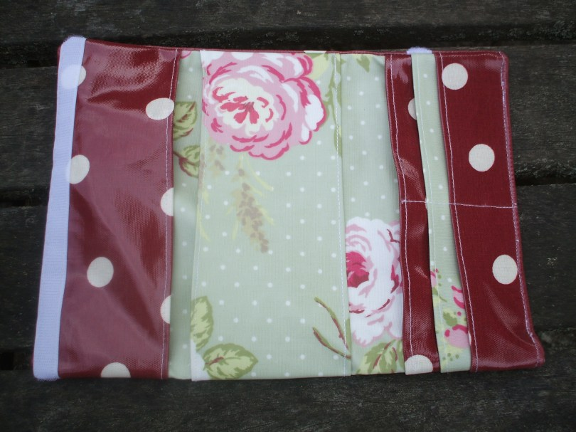 Red Polka and English Rose Passport 'Holdall' - inside view