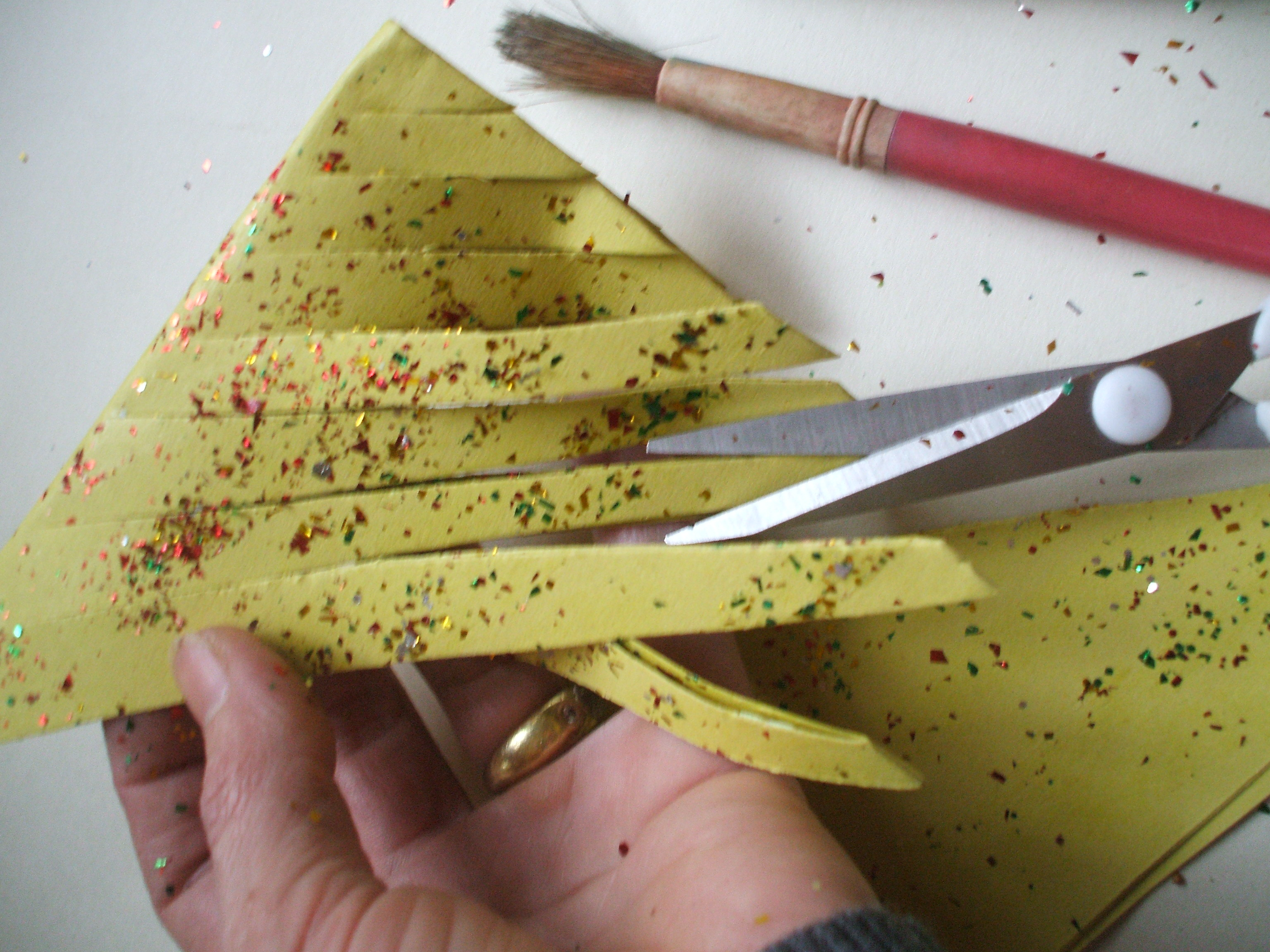 How to make a paper christmas decoration - 5 Unfold The Paper