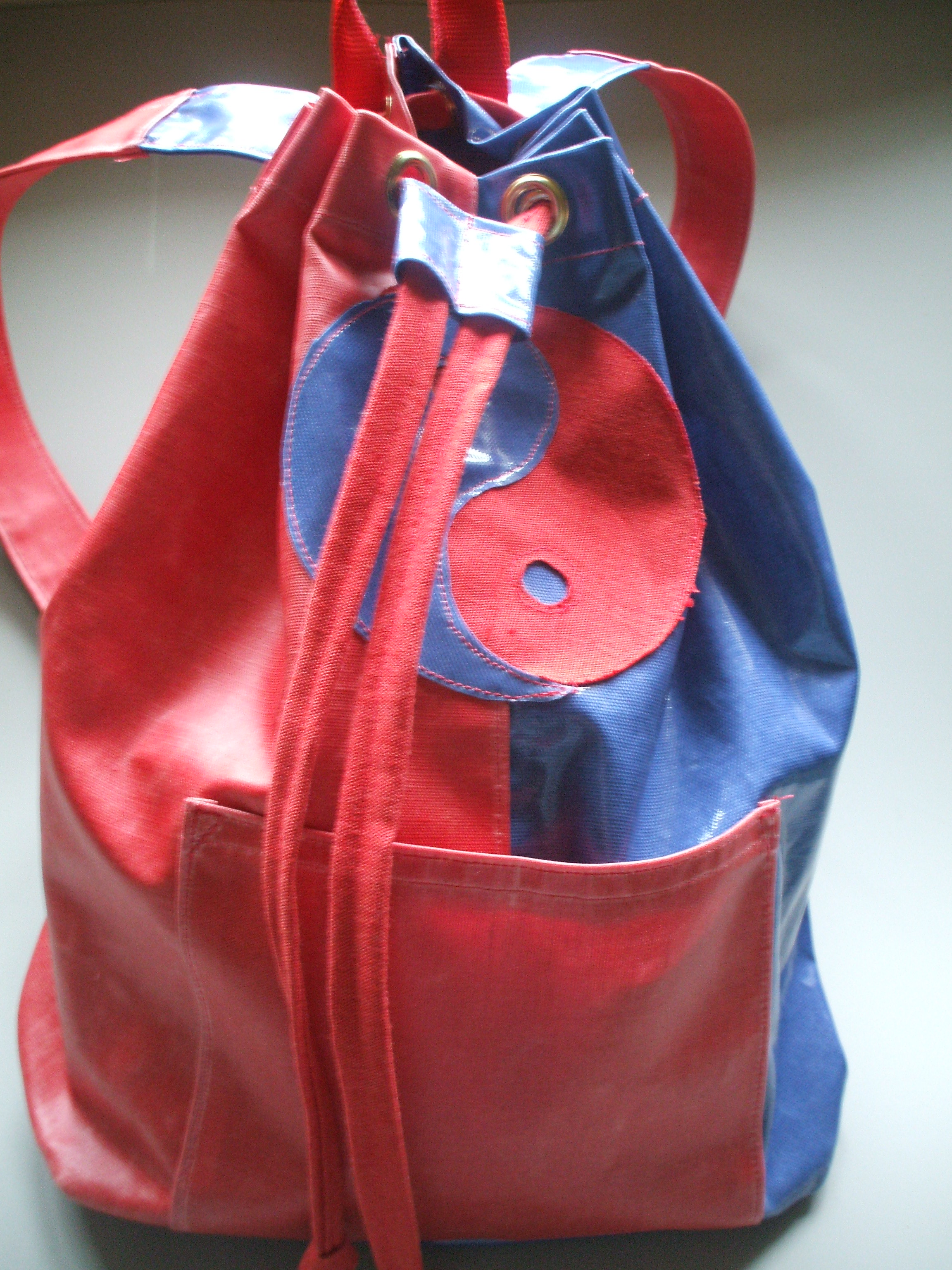 How to Make an Oilcloth BackPack – tutorial